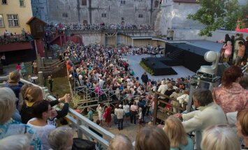 Alar Sudak: poliitikud, lõpetage Tallinna teatrite nöökimine!