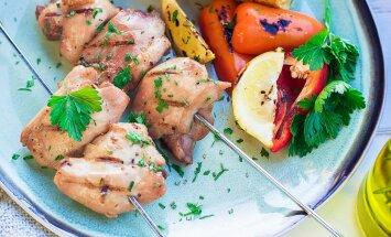 Vahemere köök koduaeda: oliiviõliga šašlõkimarinaad tervislikuks suvegrilliks