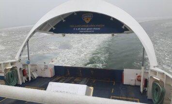 PILTUUDIS: Saaremaale suundunud parvlaev sõitis lahtise visiiriga