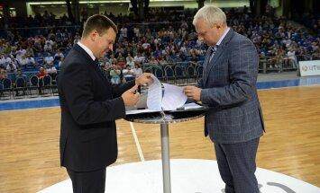 Jüri Ratas ja Urmo Soonvald allkirjastasid lepingu