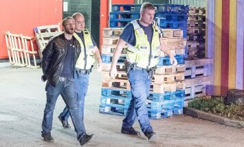 ФОТО и ВИДЕО DELFI: В Пирита алководителю без прав не удалось удрать от полиции