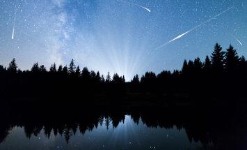 Kosmiline vaatemäng   Käes on augustiöise tähesaju aeg