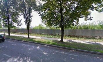 Selle Veerenni tänaval asuva aia taga peituvad müügis olevad krundid.