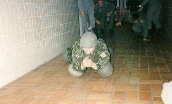 Sellel pildil osaleb Riho Terras Saksamaal Bundeswehri ülikoolis traditsioonilises võistluses nimega
