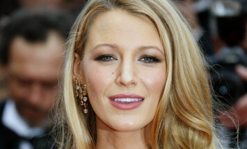 """FOTOD: Lapseootel näitlejatar Blake Lively kandis Cannes'i filmifestivali avamisel läbipaistvat """"alastikleiti"""""""