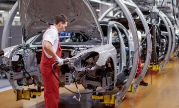 Quo vadis, autotööstus? Uus Porsche Panamera valmib robotite abiga