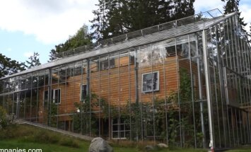 Erakordne idee — noor pere ehitas oma majale kasvuhoone ümber
