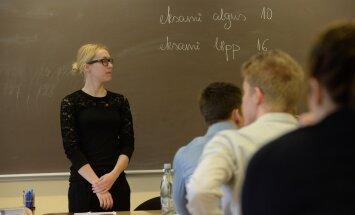 VAATA, millistel teemadel pidid ajusid ragistama täna eesti keele riigieksamit teinud abituriendid!