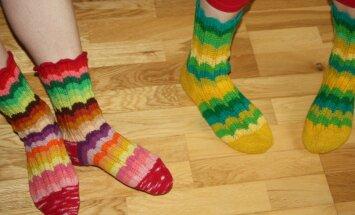 Triibulised sokid panevad jalad tantsusamme sättima.