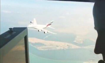 VIDEO: tõeline napikas - maailma suurim Emiratesi reisilennuk möödus napilt kopteri alt