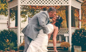 Lugeja riidleb: miks inimestel abiellumisega nii tuli takus on? Meie ühiskond on muinasjuttudesse kinni jäänud!