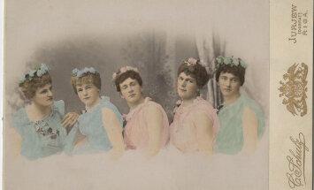 RETROFOTOD: Üllatavalt maitsekad transvestiidid ehk netis levib lugu, kuidas 19. sajandi Tartu tudengid naisteks riietusid