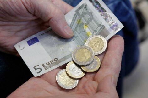 Что происходит с зарплатами в Латвии? Сколько платят в Риге и регионах страны