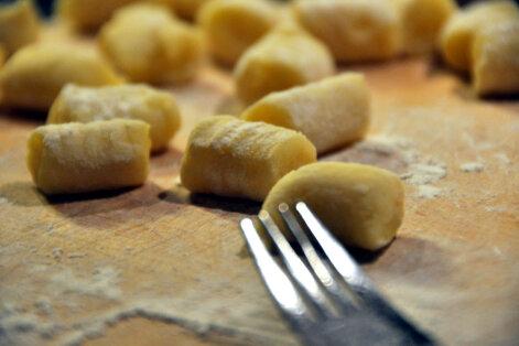 KIIRE ÕHTUSÖÖGI SOOVITUS: Mõnusad kartuli-muna-herne gnocchi's