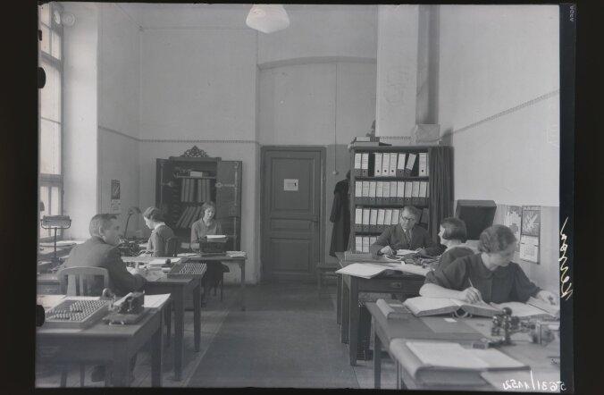 Ametnikud 1930ndad