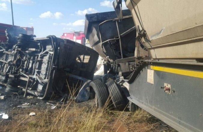 VIDEO: Lõuna-Aafrika bussiõnnetuses hukkus vähemalt 20 last
