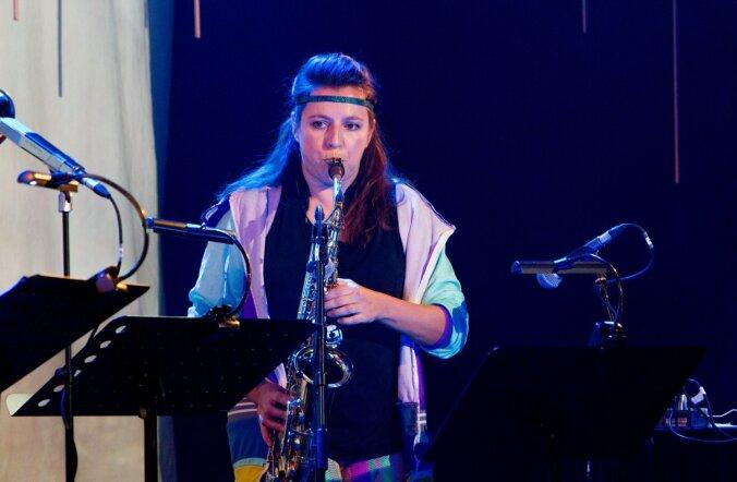 Maria Faust ühendas eelmisel Jazzkaarel muusika, videokunsti ja kehakultuuri: saalis oli 15 veloergomeetrit, millel väntavad inimesed said kontserdi tempot mõjutada.