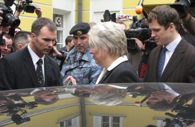Marina Kaljurand peale pressikonverentsi, mille käigus teda rünnati