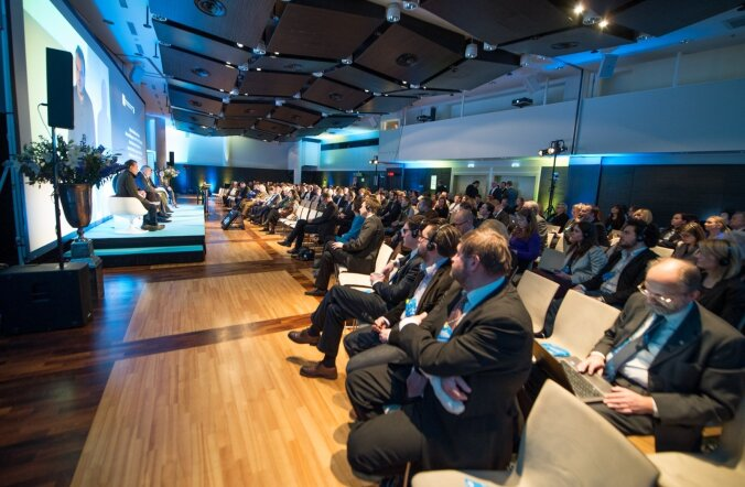 """MTÜ Inimõiguste Instituut nimetab enda tuntuimaks kaubamärgiks rahvusvahelist inimõiguste aastakonverentsi, mida korraldatakse 2011. aastast alates. Pildil on 2014. aasta konverents """"Väärikus inimõiguste kontekstis""""."""