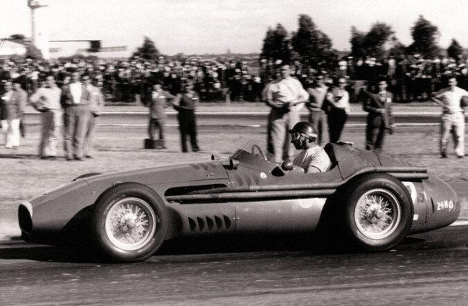 F1 aastal 1957: Kes oli esimene mees, kes suutis viiekordseks maailmameistriks tulla?