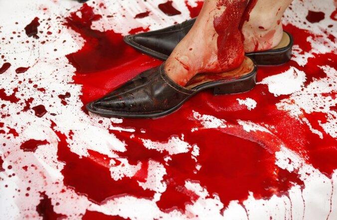 Morbiidne kunst! Vaata, kuidas näeb välja verega maalitud pilt!