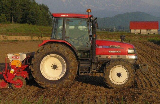 Millega tegeleb moodne talumees? Eks ikka häkib traktorit ja hangib selle jaoks piraattarkvara
