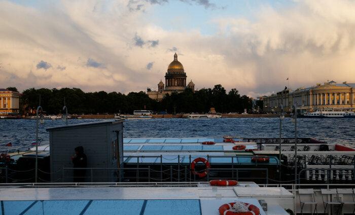 В Санкт-Петербурге планируют запустить выдачу электронных российских виз для иностранных туристов