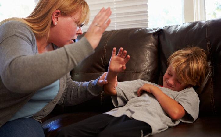 Laste kehalise karistamise eest saavad vanemad karistada