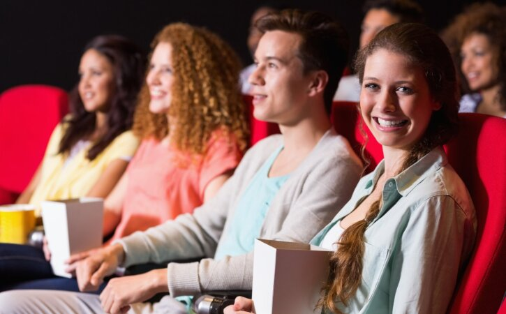 Saada oma pubekas kinno! Sõbrapäeval toimub Noorte Hääle kinosündmus: esineb Gertu Pabbo ning kõik saavad kingituse!