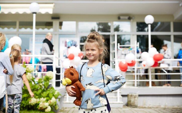 LÕBUS LASTEMOOD: Liivakaru lastemoepäev tõi Pärnusse mitukümmend disainbrändi