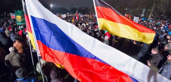 PEGIDA meeleavaldustel on koos Saksamaa lippudega lehvitatud uhkusega ka Venemaa omi.