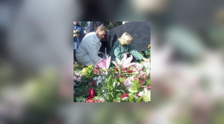 Urmas Alenderi endine abikaasa lõi Estonial hukkunute omaste ühenduse