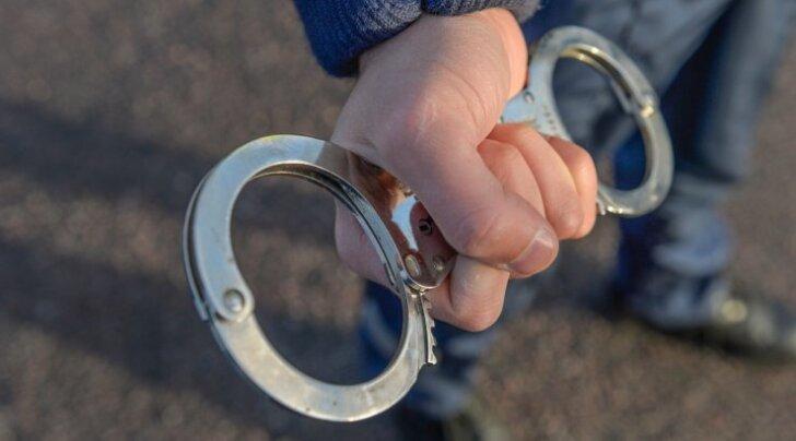Vahistati Tallinnas juveelipoodi röövinud isikud