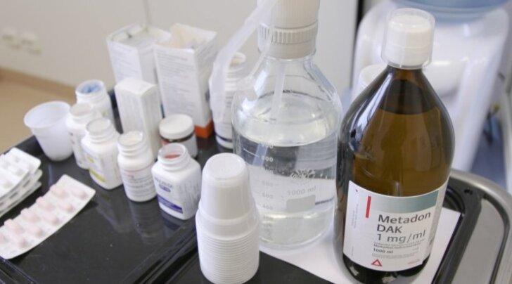 Metadooni jagatakse sõltlastele viies linnas: Tallinnas, Tartus, Narvas, Jõhvis ja Sillamäel. Kas see fentanüüli puhul ka aitab, on aga selgusetu.