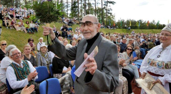 Veljo Tormis pani alusa modernsele eesti koorimuusikale, kohandades sellesse 20. sajandi teise poole kaasaegse helikeele.