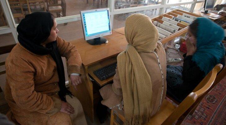 Araabiakeelne portaal: Maailm - hoia alt! Hiidlased tulevad!
