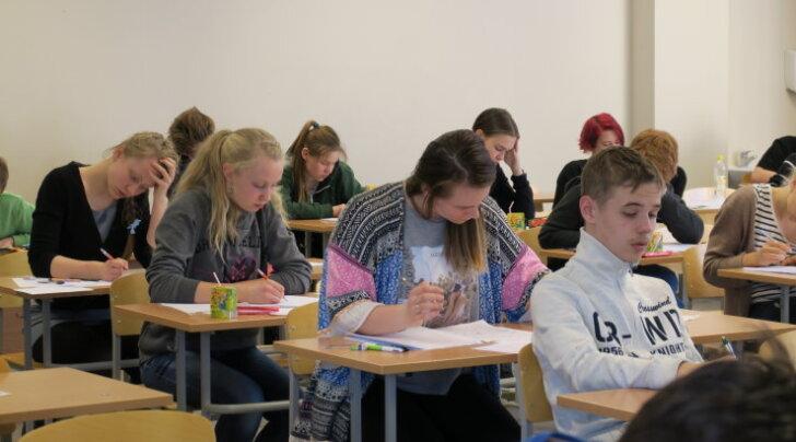 Selgusid Eesti parimad noored matemaatikud: kas sina saaksid matemaatikaolümpiaadi ülesannetega hakkama?