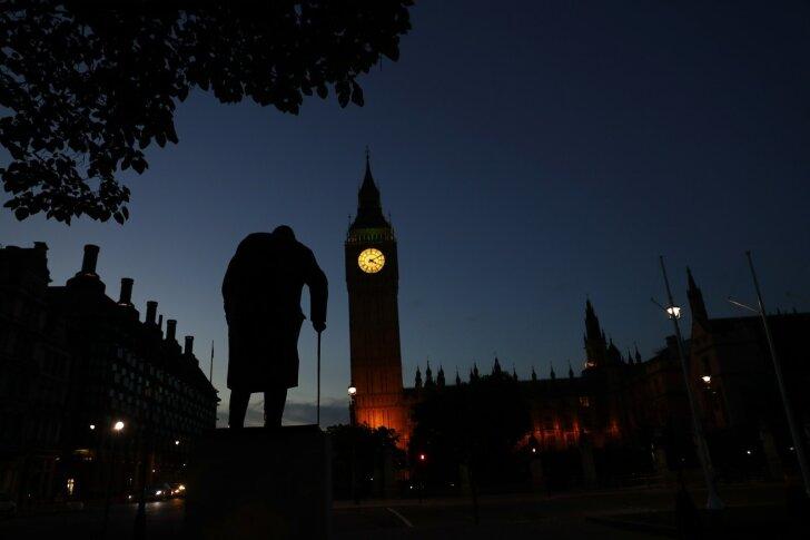 Mida arvanuks brittide referendumi tulemusest Winston Churchill, kelle kuju seisab Londonis Parlamendi väljakul?