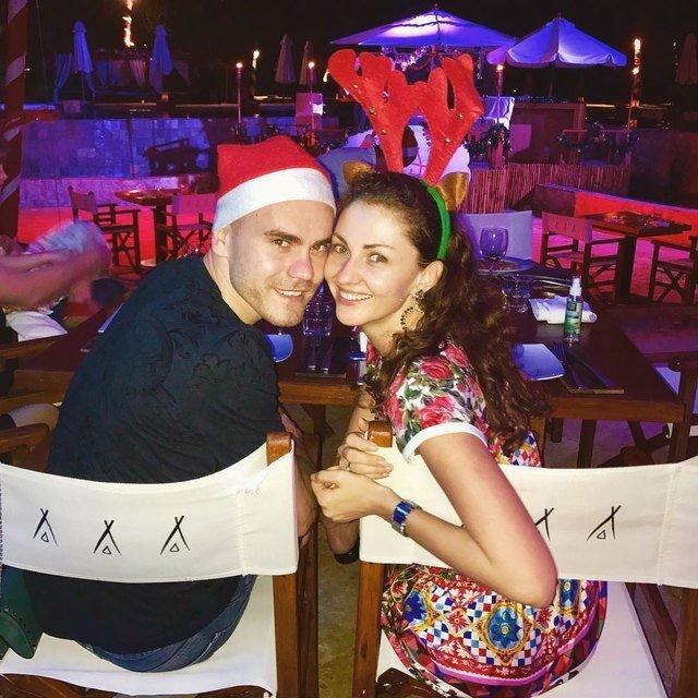 Секс акинфеева и его жены видео 10