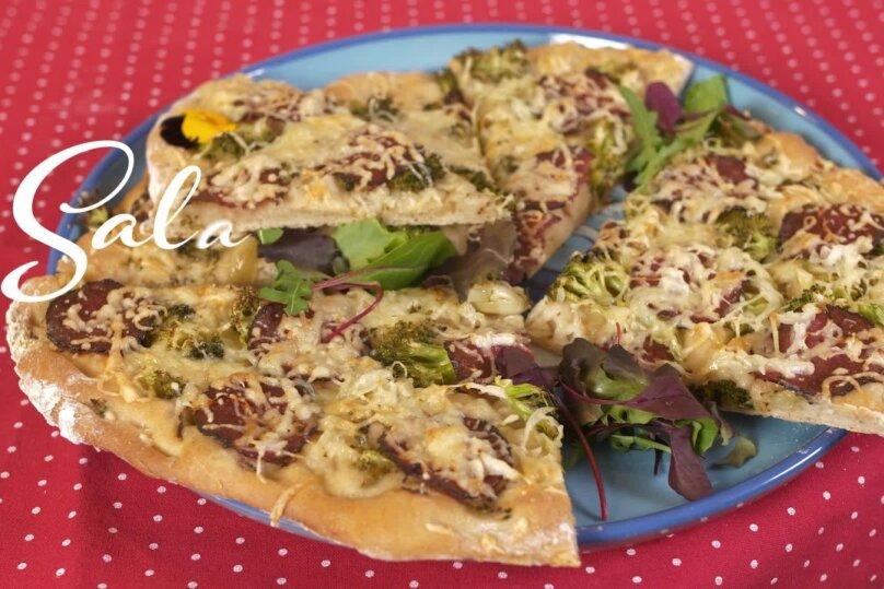 Salaami-brokoli pitsa