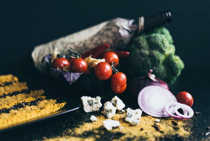 Kõige laiema kasutusalaga veinideks on kuivad, karged, tammevaati mitte näinud valged, näiteks Pinot Grigio veinid, või keskmise täidluse ja kehaga, vähese tanniiniga punased, nagu Melrot.