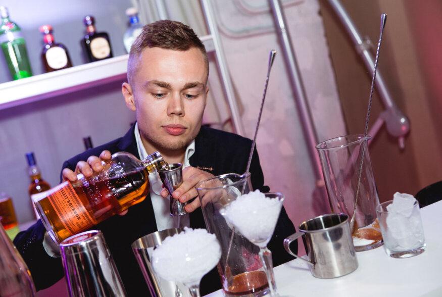 World Class kokteilivõistluse kohalikus finaalis osaleb 32 Eesti parimat baarmeni