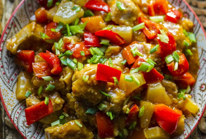 Tähista alanud Hiina uusaastat liha või tofuga magushapus kastmes