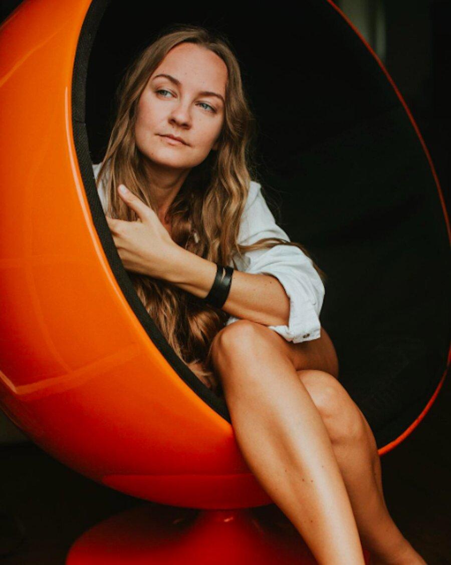 Carola Madis Nude Photos 24