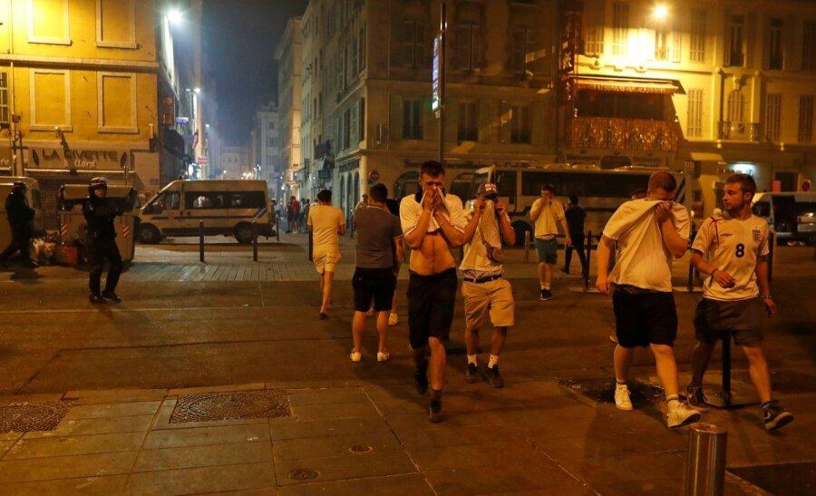 Российские болельщики атаковали английских фанатов после матча вМарселе
