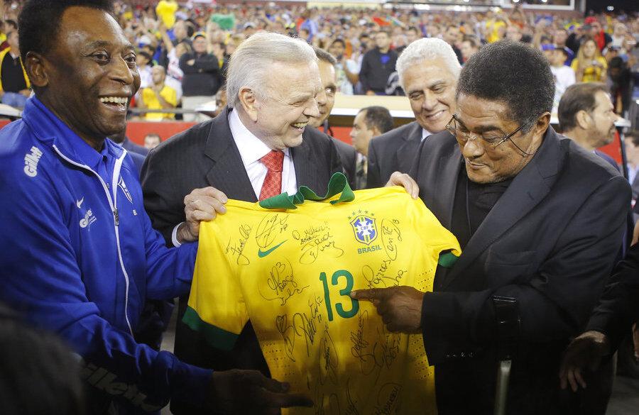 Сегодня в Лиссабоне состоится прощание с Эйсебио - изображение 2