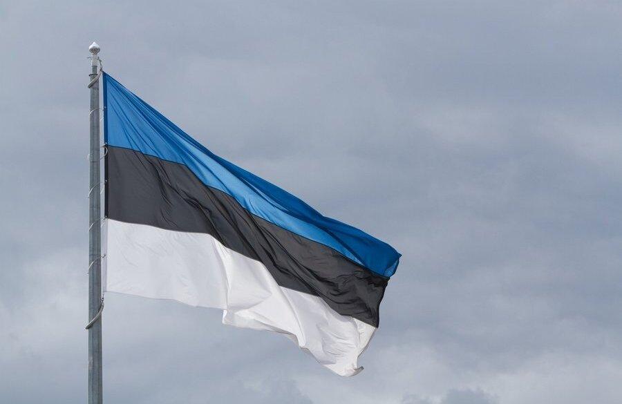 Минсельхоз Эстонии просит срочной помощи для производителей молока