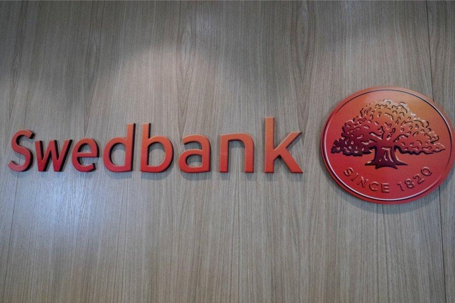 Беглый президент Янукович отмыл $4,2 млн через Swedbank