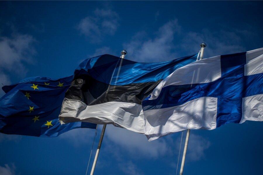[img]https://g4.nh.ee/images/pix/900x600/PwneIu-7Pac/el-eu-eesti-euroopa-liidu-lipp-euroopa-liit-lipp-lipud-soome-70776243.jpg[/img]