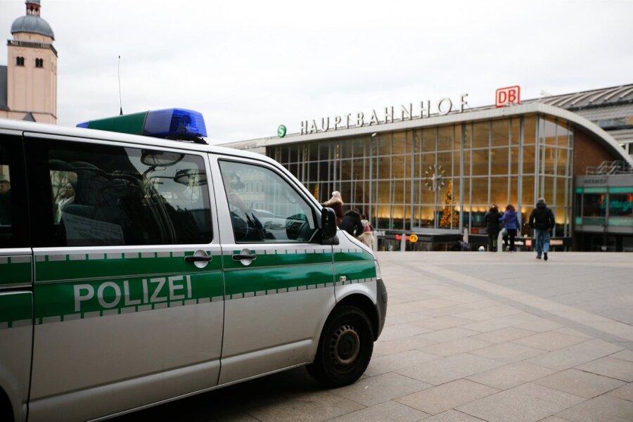 ВГермании задержали подозреваемых вмассовых нападениях наженщин